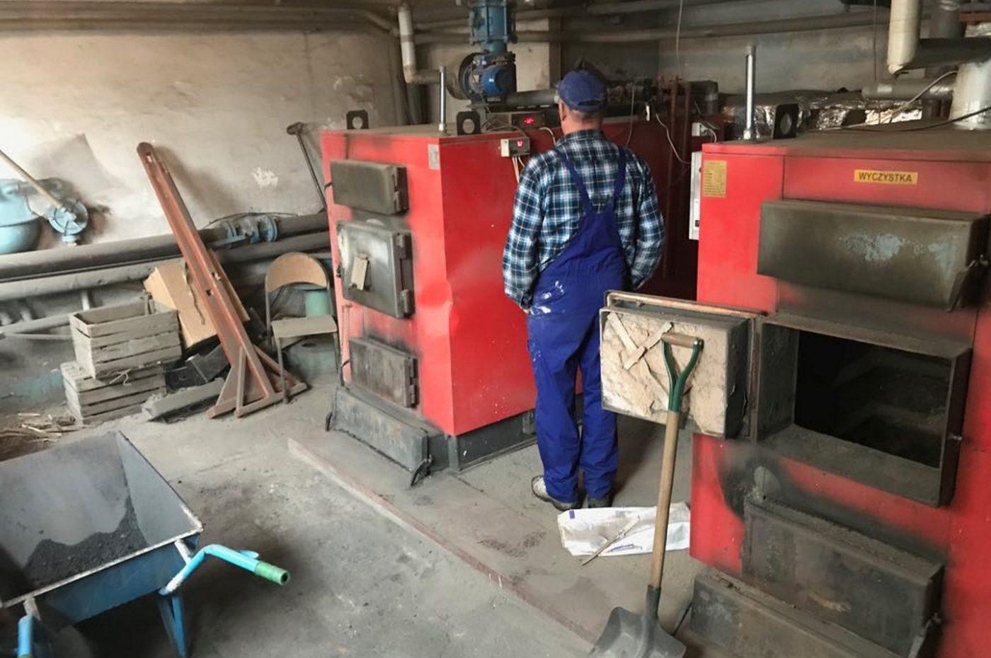 Kotłownia w szkole podstawowej w Rudzie Wielkiej przed modernizacją