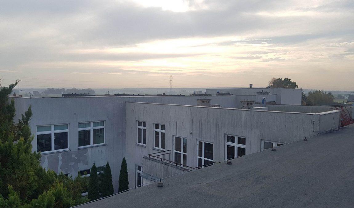 Zespół Szkolno-Przedszkolny w Miedźnie przed termomodernizacją